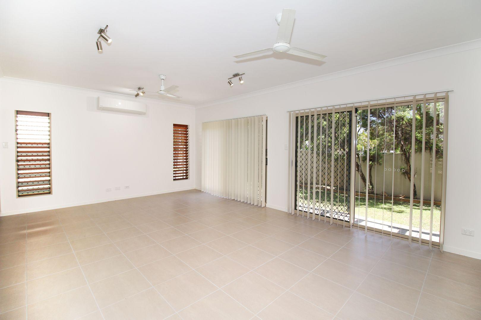 13 Lakeland Boulevard, Idalia QLD 4811, Image 2