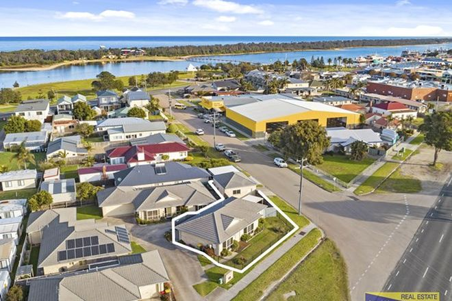 Picture of 1/16 Roadknight Street, LAKES ENTRANCE VIC 3909