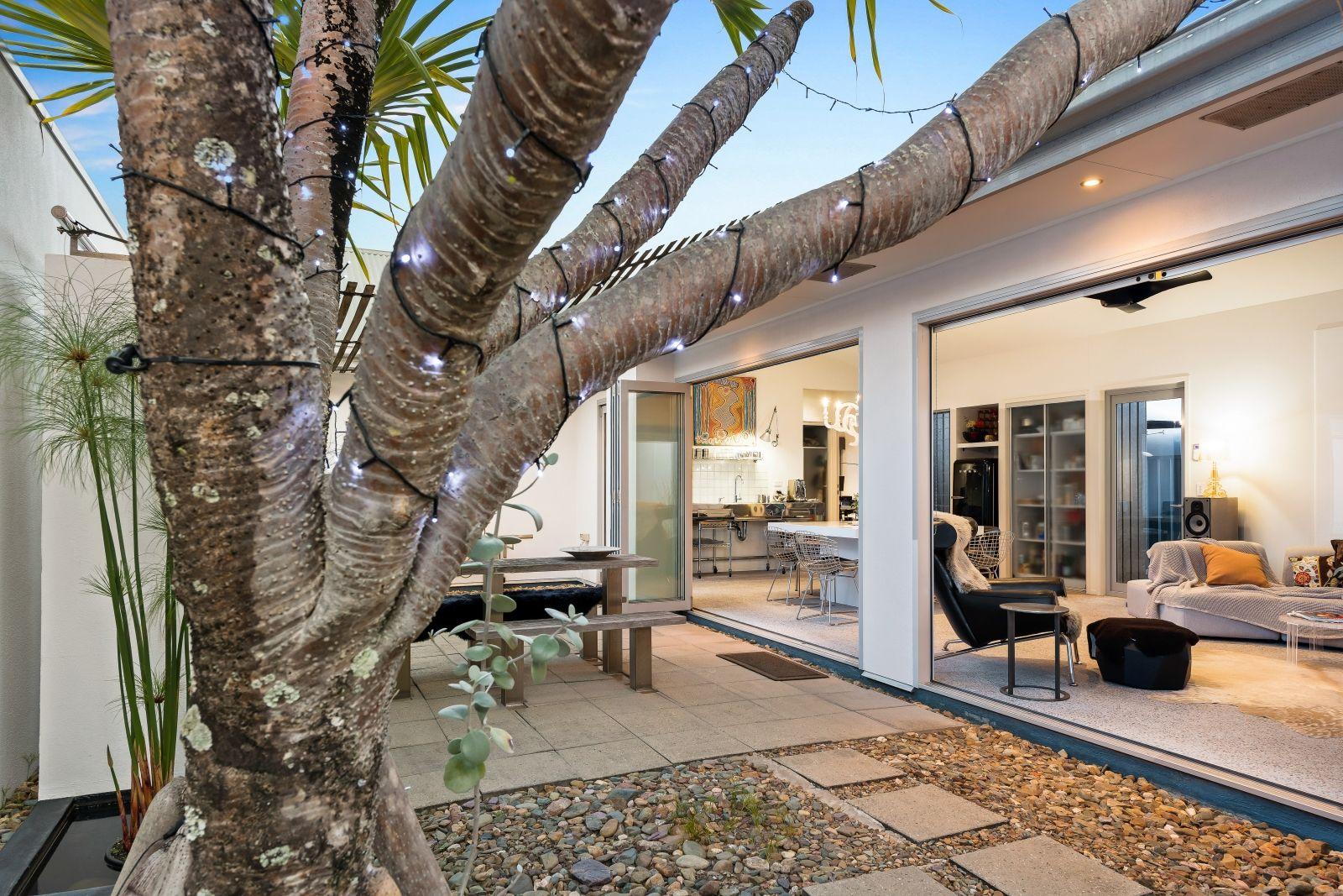 22 Seychelles Place, Parrearra QLD 4575, Image 2