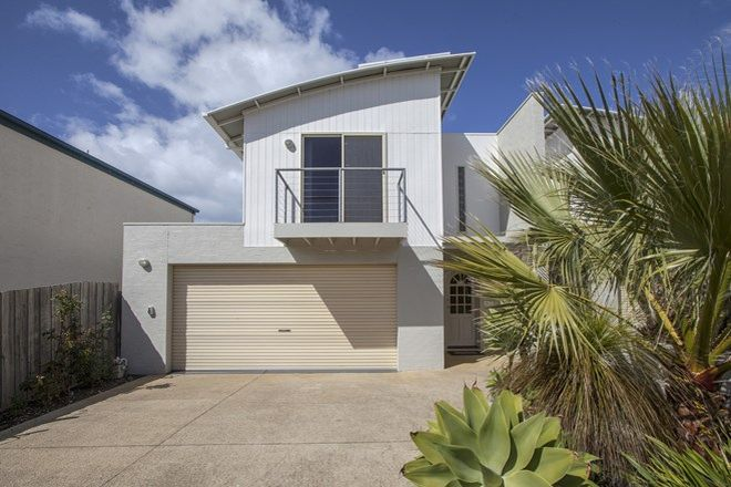 Picture of 28 Pomora Avenue, TORQUAY VIC 3228