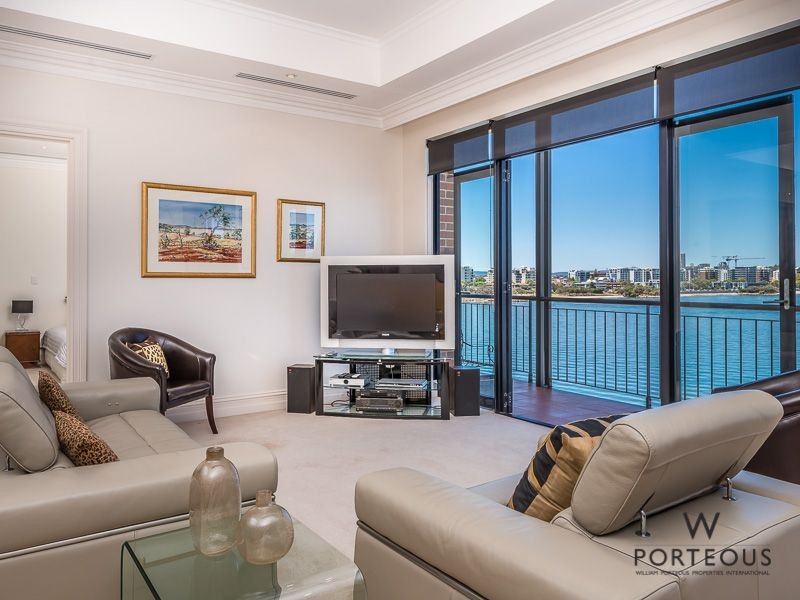 303/173 Mounts Bay Road, Perth WA 6000, Image 2