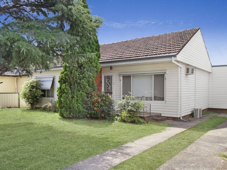 3 Banksia Crescent, Fairfield East NSW 2165, Image 0