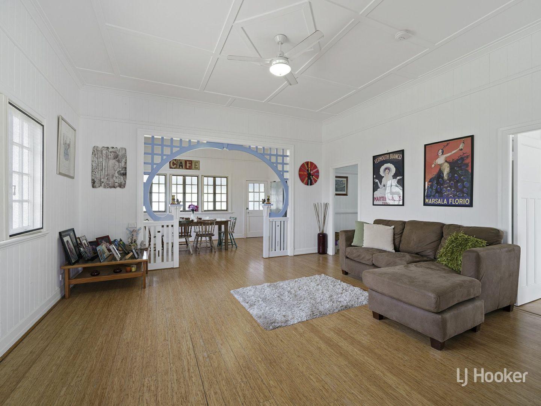 6 Cairnscroft Street, Toogoolawah QLD 4313, Image 2