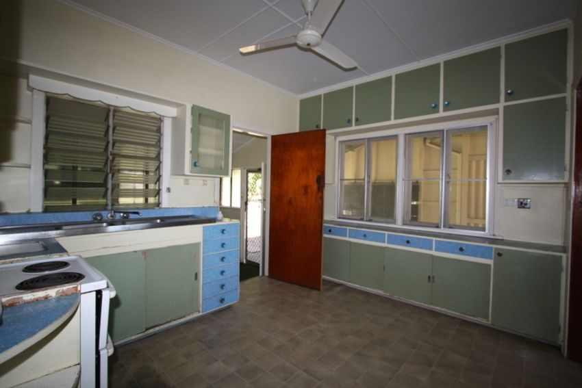 94 Towers Street, Charters Towers City QLD 4820, Image 2