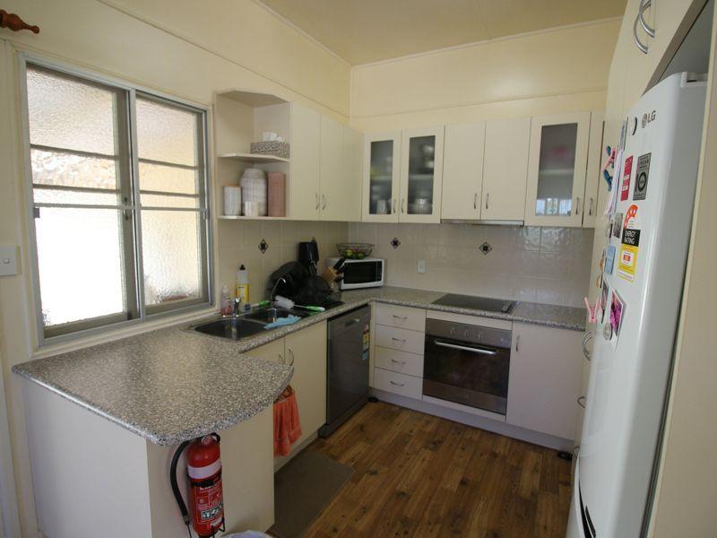 9 Station Street, Gayndah QLD 4625, Image 2