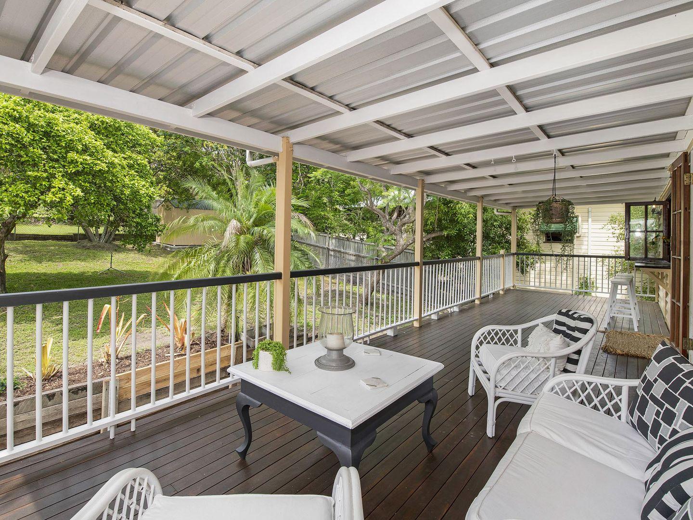 24 Longfellow Street, Norman Park QLD 4170, Image 2