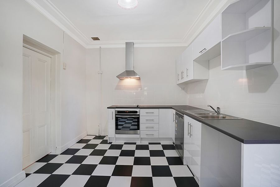 1/33 Bruce Street, Stanmore NSW 2048, Image 2