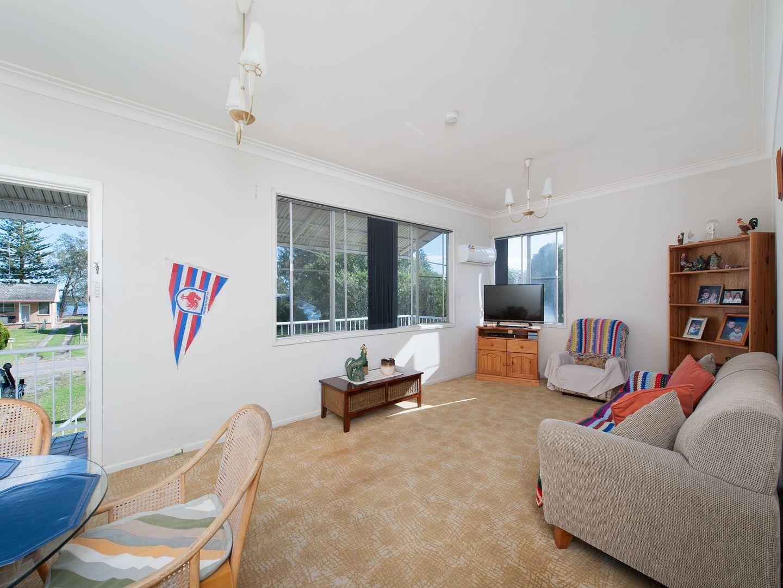 39 Albert Street, Taylors Beach NSW 2316, Image 2