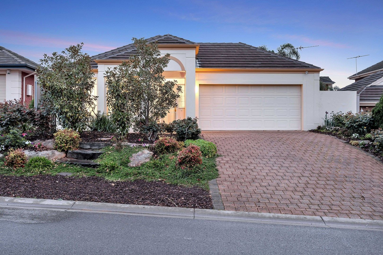 62 Sandalwood Crescent, Flagstaff Hill SA 5159, Image 0