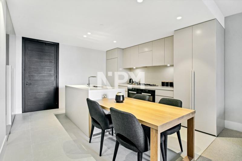 1701/35 Spring Street, Melbourne VIC 3000, Image 2