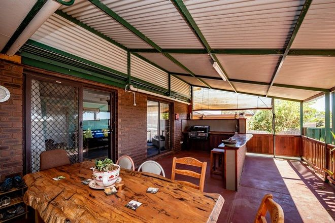 Picture of 16 Mellows Place, RANGEWAY WA 6530
