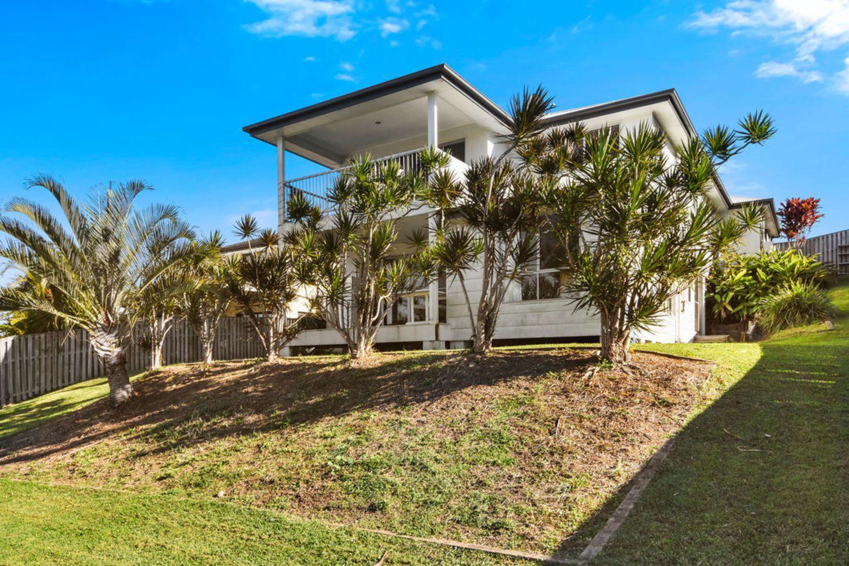 129 Wunburra Circle, Pacific Pines QLD 4211, Image 0