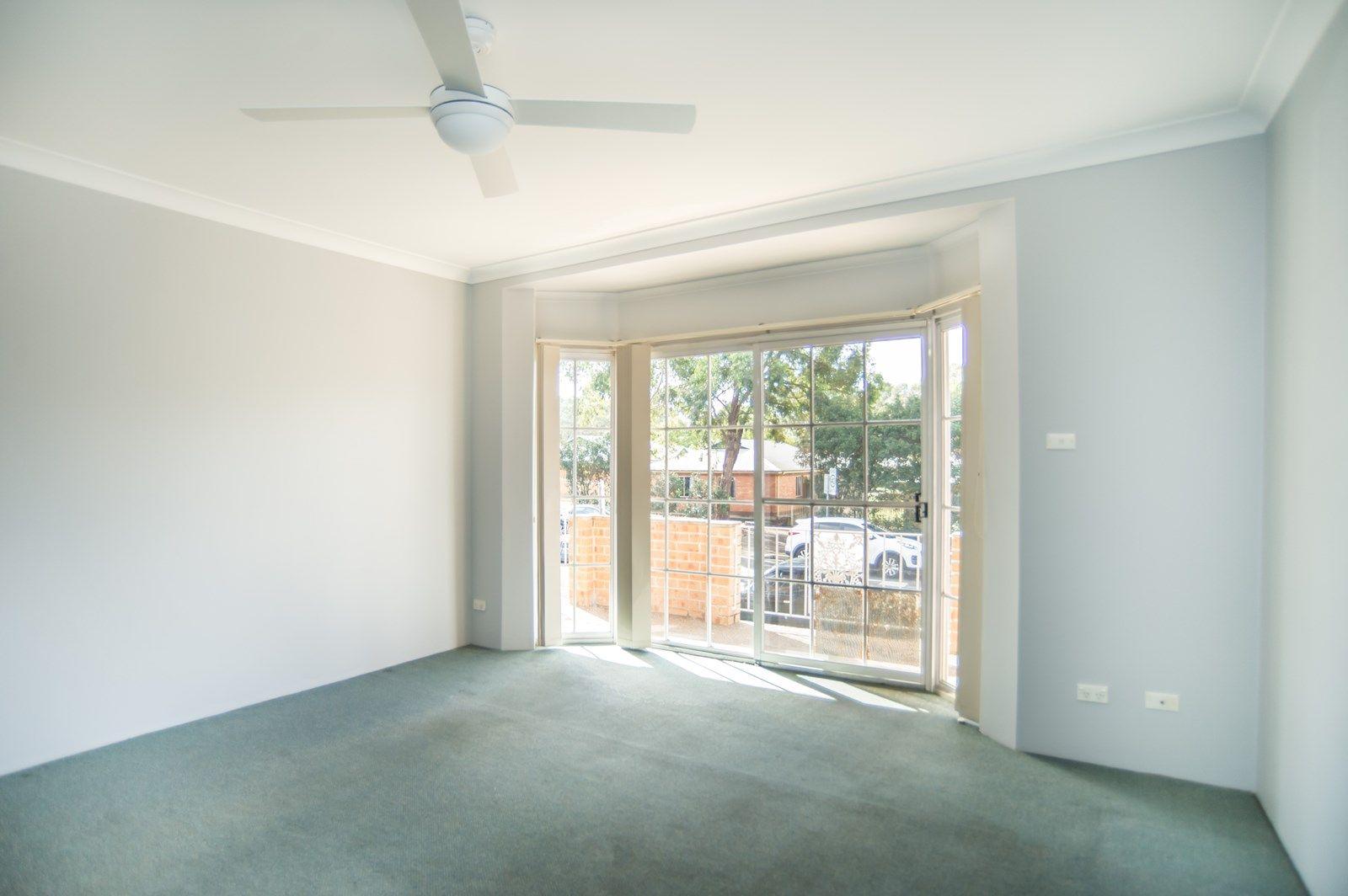 1 & 2/35 Park  Avenue, Westmead NSW 2145, Image 2