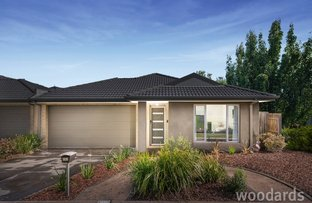 Picture of 102 Broderick Road, Carrum Downs VIC 3201