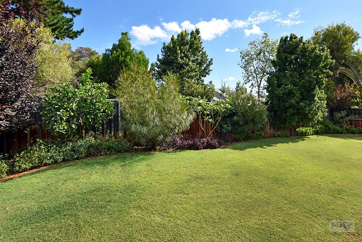 14 Bollinger Close, The Vines WA 6069, Image 2