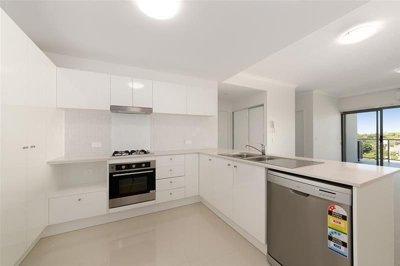 2702/19 Playfield Street, Chermside QLD 4032, Image 2