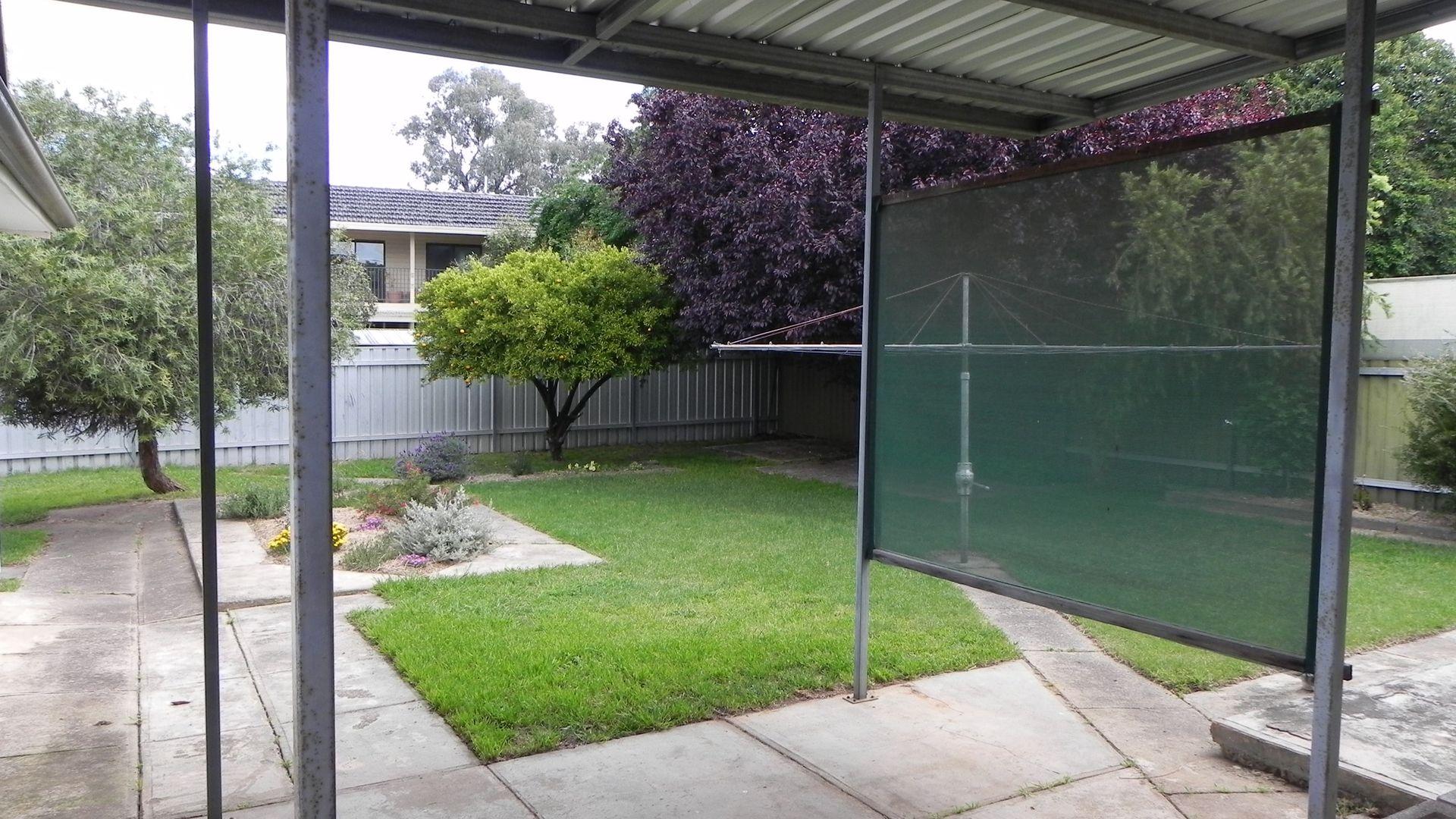 30 Stanley Street, Kooringal NSW 2650, Image 2