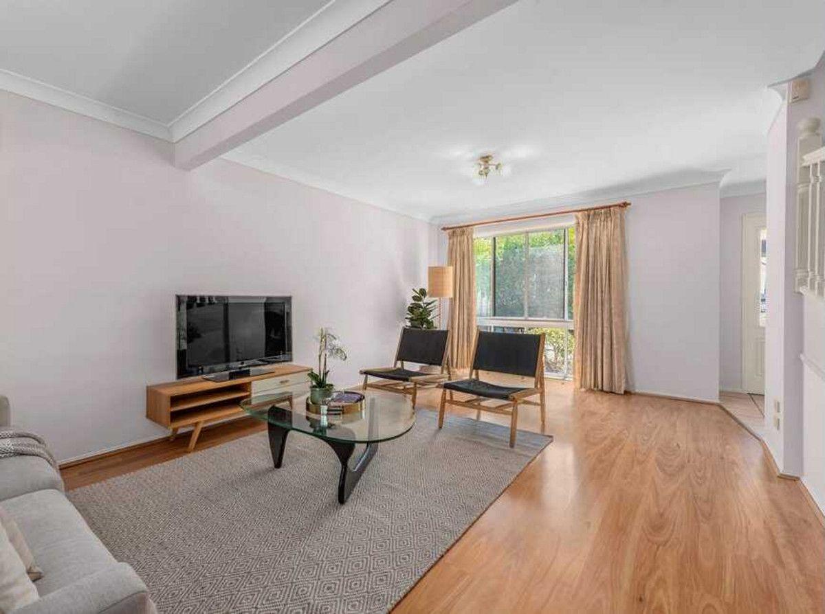 19 Carissa Street, Sinnamon Park QLD 4073, Image 2