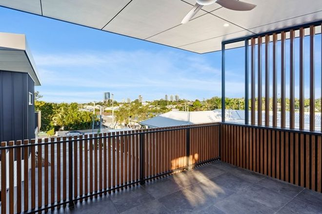 Picture of 2/8 Wilson Street, LABRADOR QLD 4215