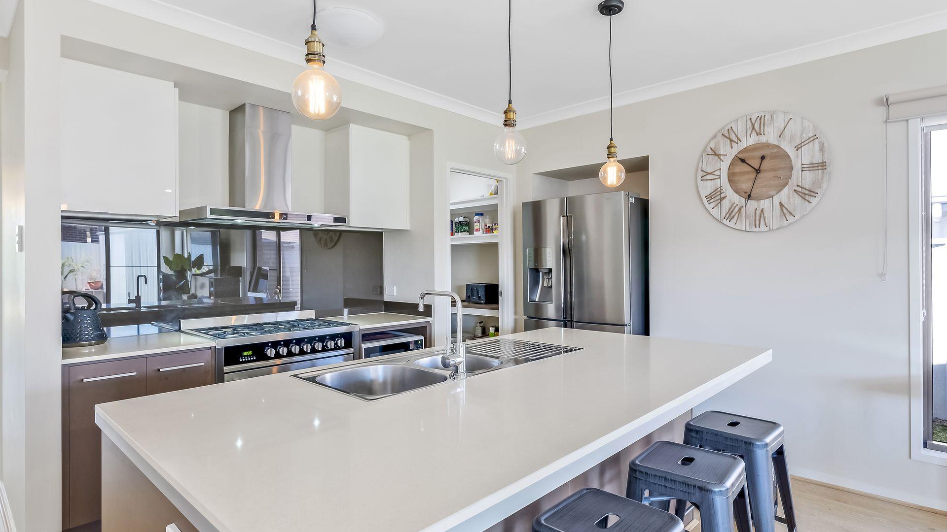 14 Teal Street, Caloundra West QLD 4551, Image 2