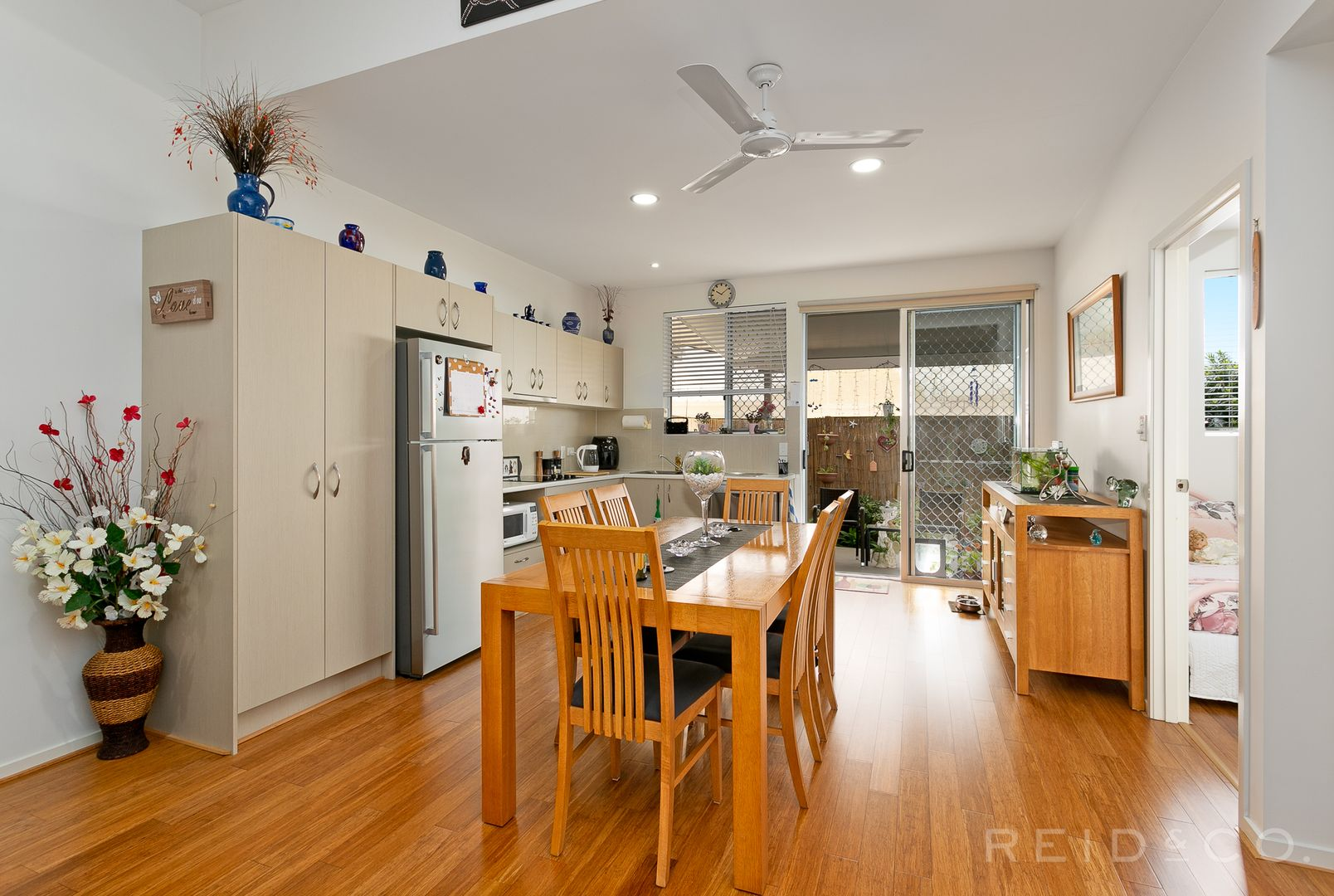 2/564 Oxley Avenue, Scarborough QLD 4020, Image 0
