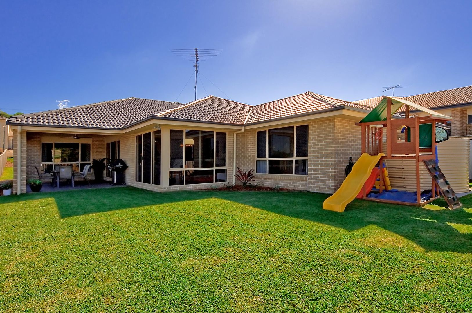 39 Dennis Vale Drive, Daisy Hill QLD 4127, Image 1