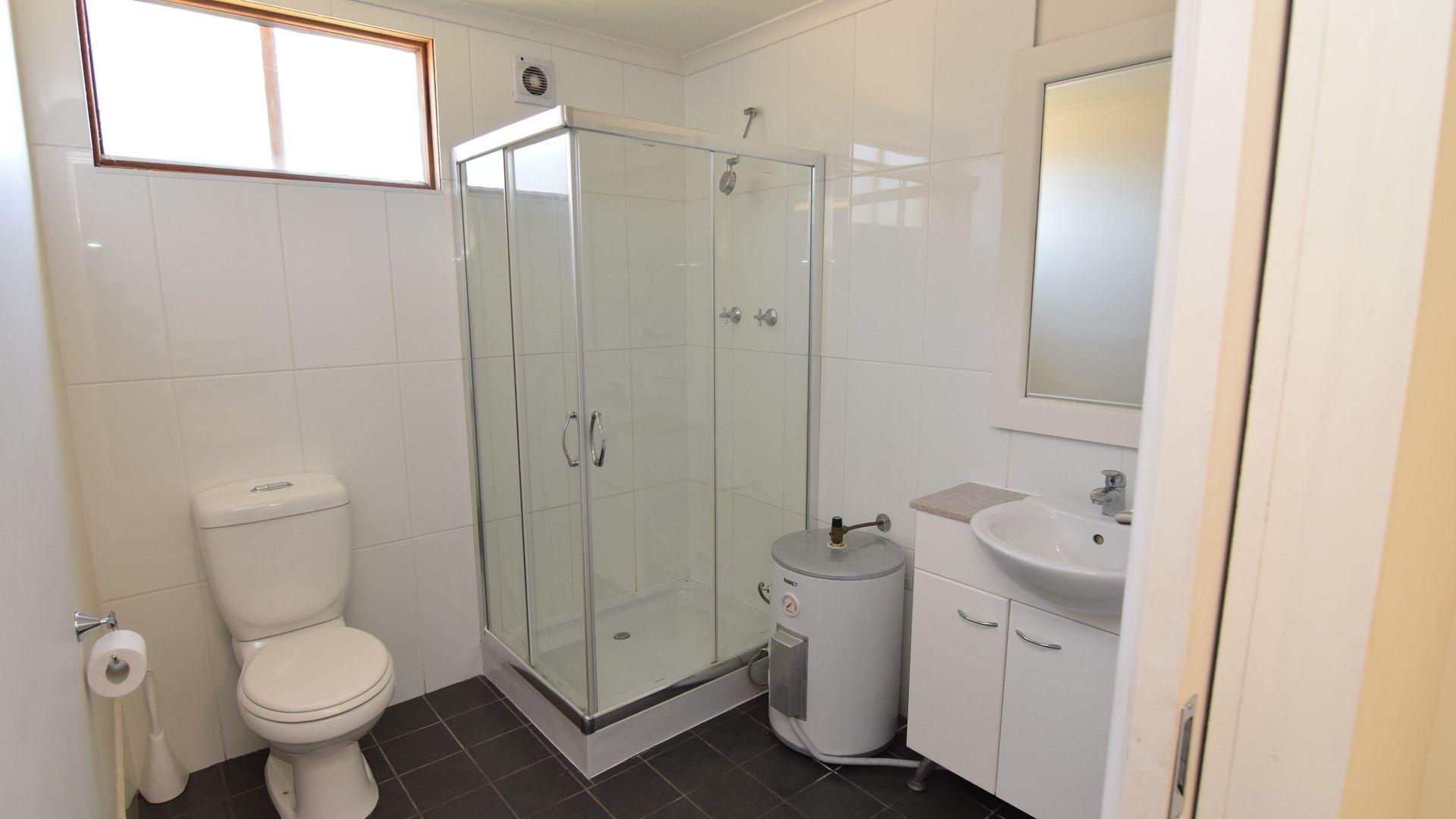 27 Vale Road, Bathurst NSW 2795, Image 2