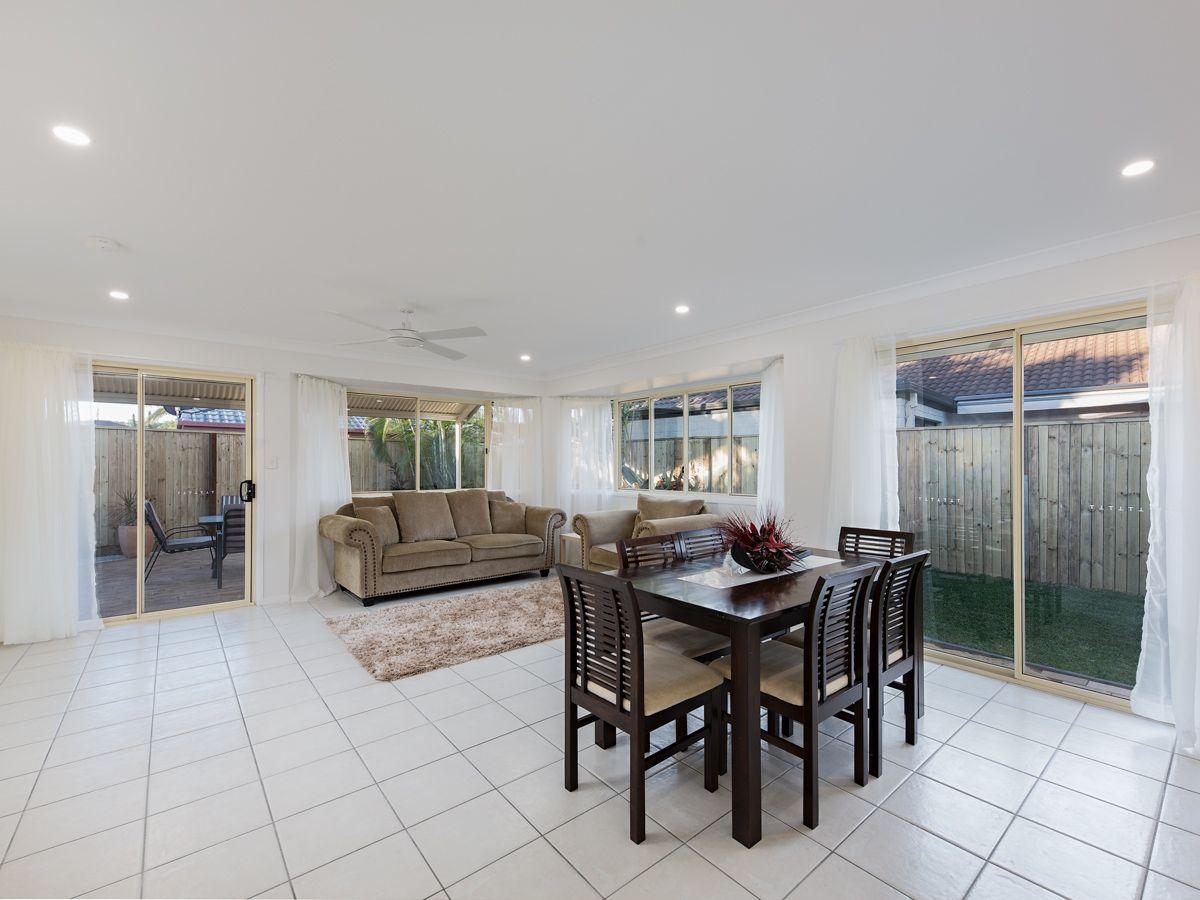 32 Oakmont Avenue, Cornubia QLD 4130, Image 2