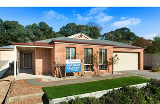 Picture of 3B Grevillea Avenue, Kangaroo Flat VIC 3555
