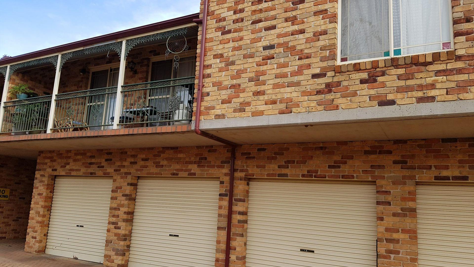 8/77 Bultje St, Dubbo NSW 2830, Image 2