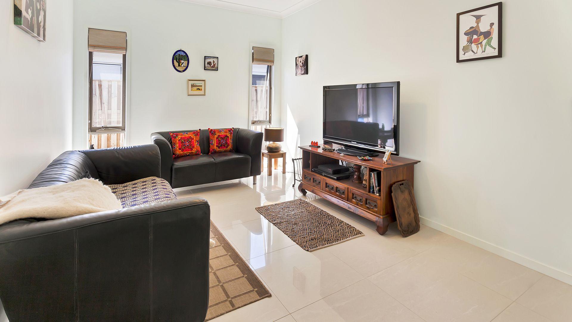 4 Mariner Avenue, Hope Island QLD 4212, Image 1