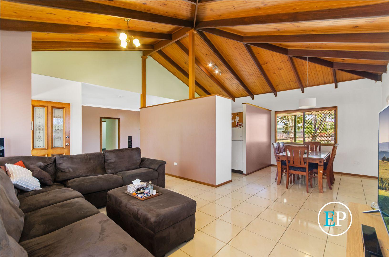 11 Flagstone Avenue, Rangewood QLD 4817, Image 1