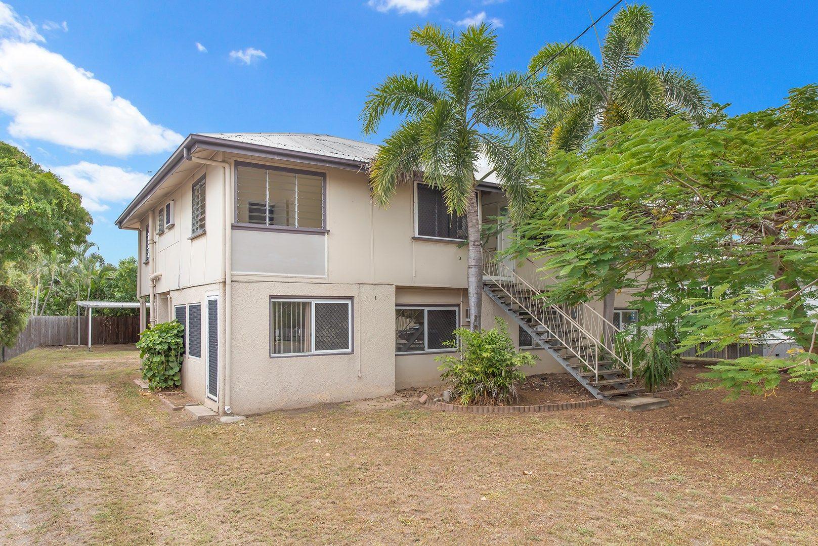 4 Halloran Street, Hermit Park QLD 4812, Image 0