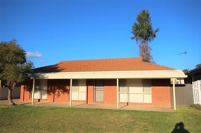 12 Lockett Place, Tolland NSW 2650, Image 0
