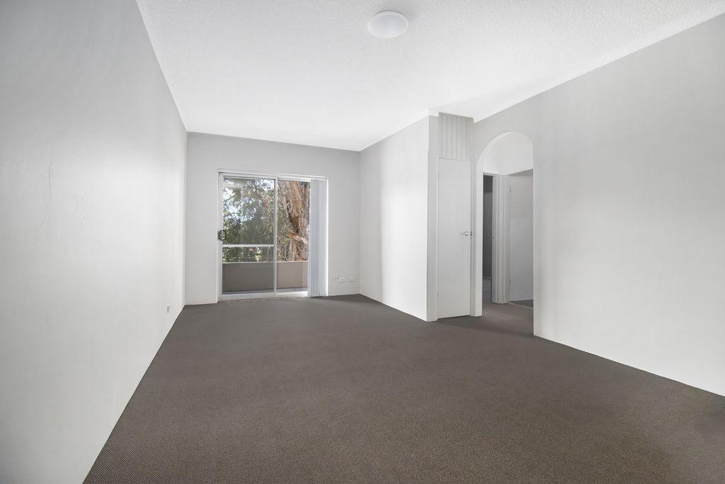 4/3 Hart Street, Warwick Farm NSW 2170, Image 2