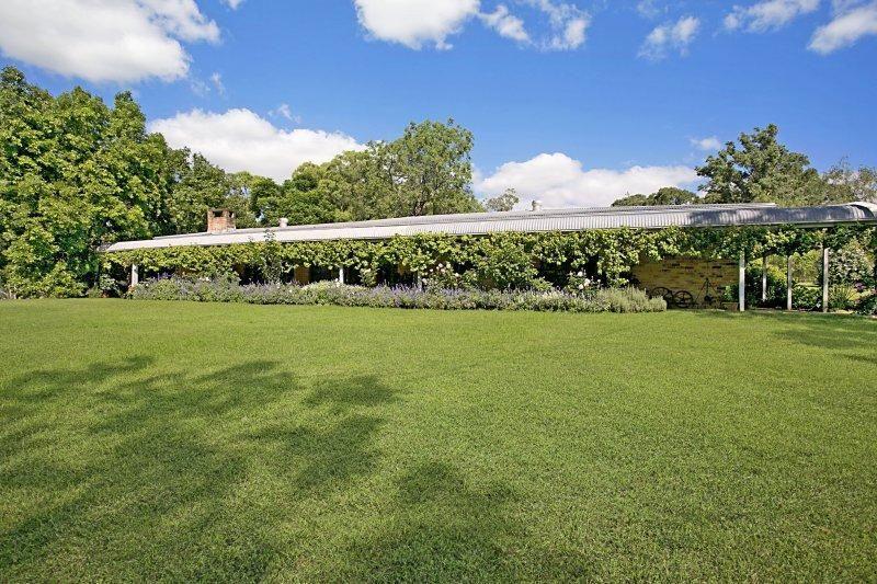 569 Webbers Creek Road, Paterson NSW 2421