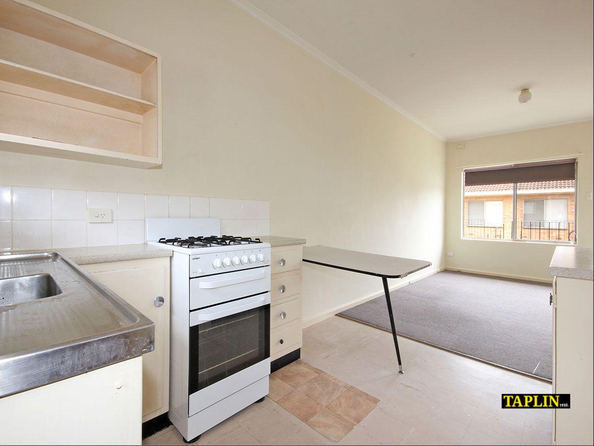 17/4 Inverarity Street, Glenelg North SA 5045, Image 0