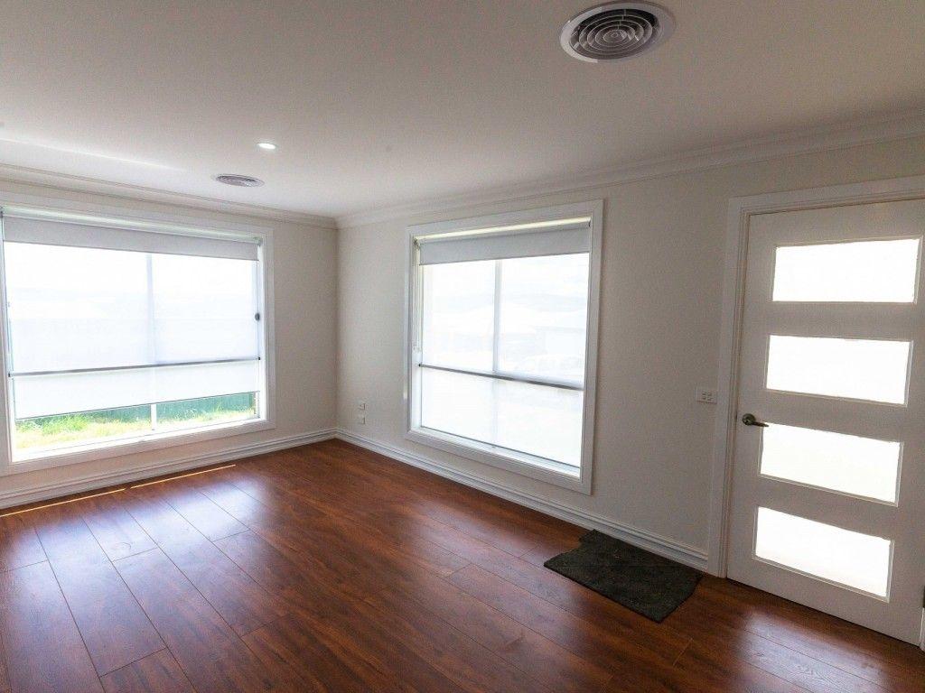 8 Twynam Avenue, Windradyne NSW 2795, Image 2