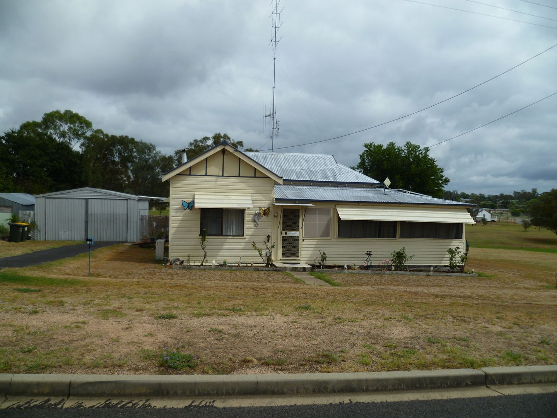 17 Bukkulla Street Ashford Nsw 2361 House For Sale Domain