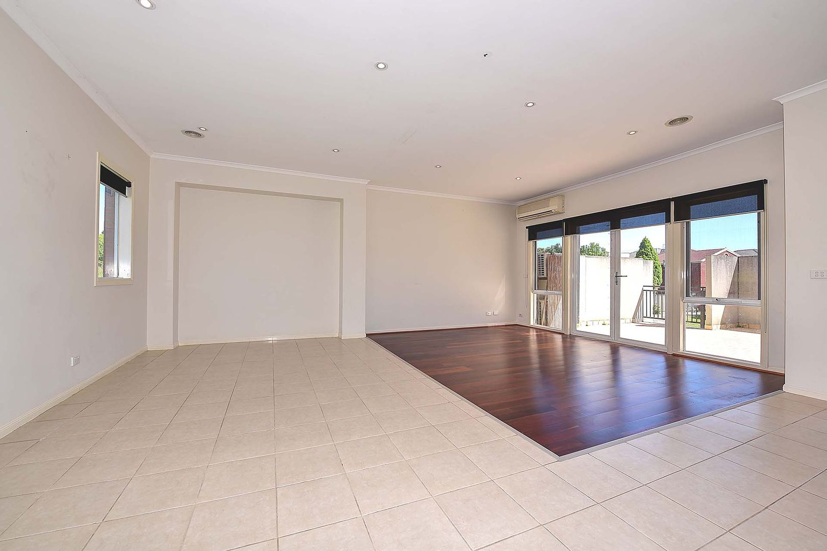 3 24 Tulloch Grove Glen Waverley Vic 3150 Townhouse For Rent 495 Domain
