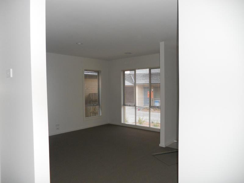 3/3 Warrenwood Place, Langwarrin VIC 3910, Image 1