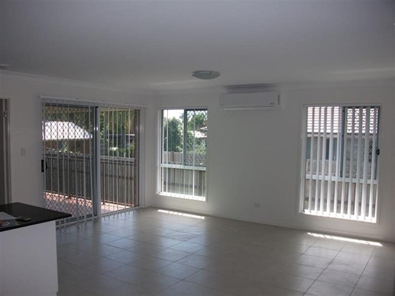1/22 Adam Street, Beachmere QLD 4510, Image 2