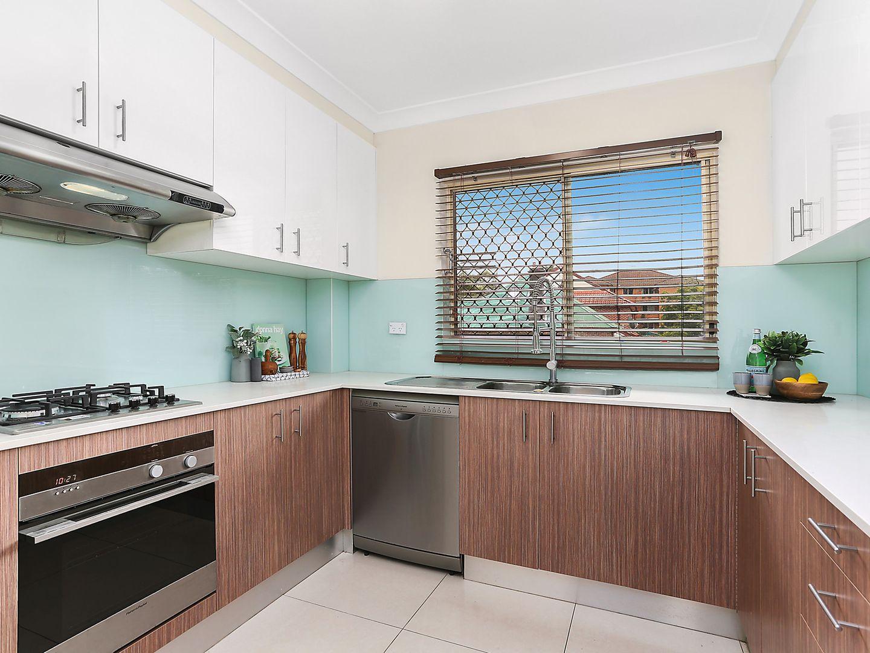 4/52 Carrington Avenue, Hurstville NSW 2220, Image 1