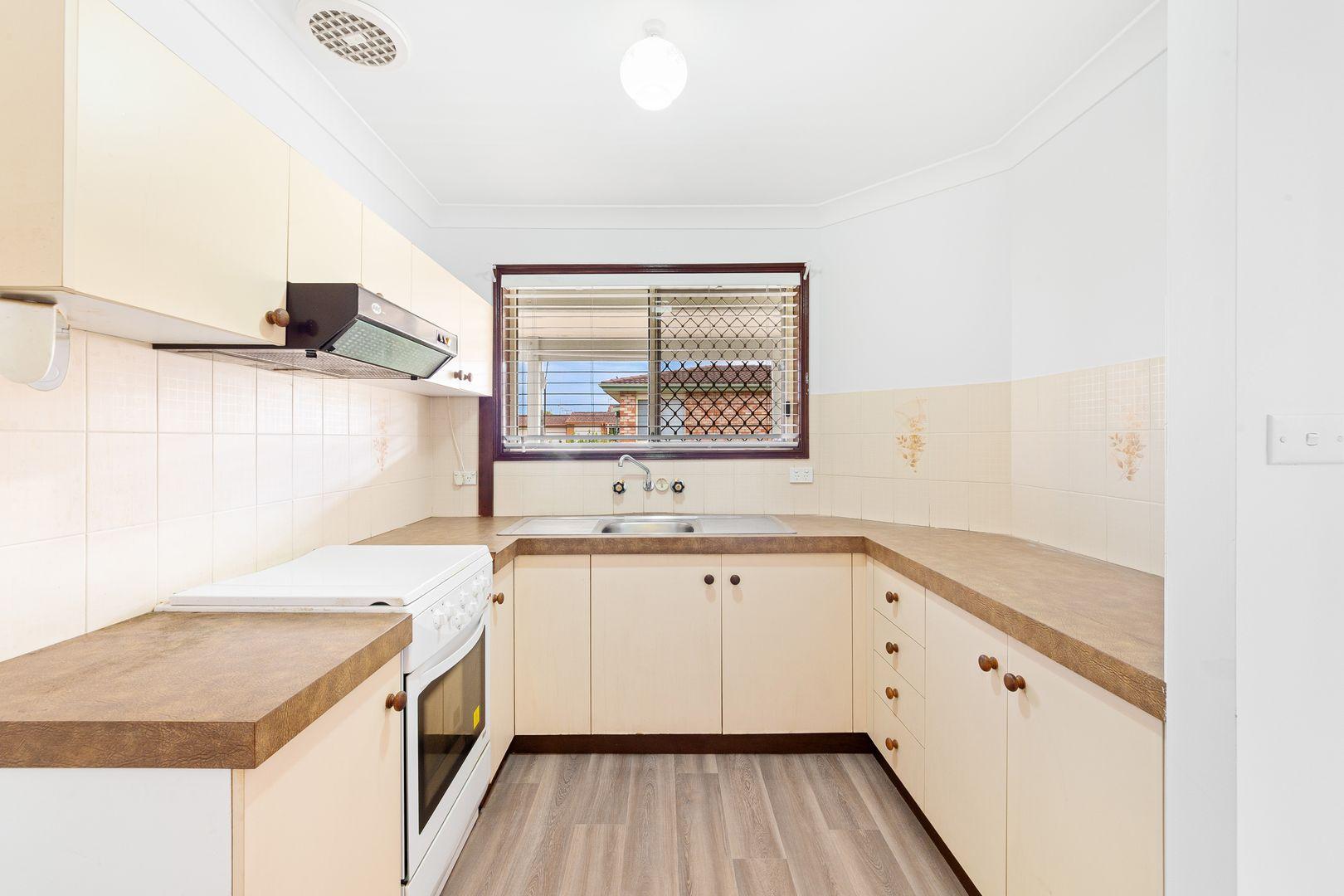 18 Gilbert Avenue, Gorokan NSW 2263, Image 2