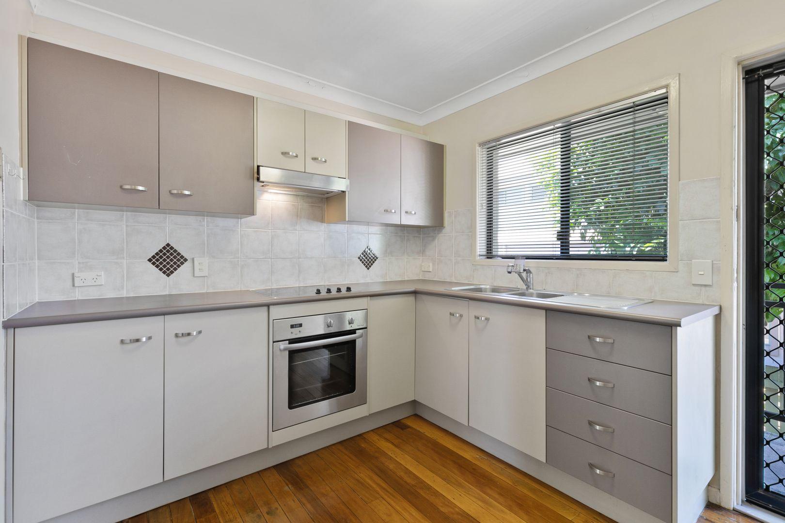 2/10 Biran St, Camp Hill QLD 4152, Image 0