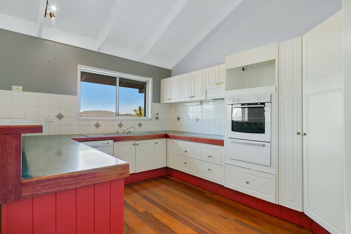 1090 Southpine Road, Everton Hills QLD 4053, Image 2