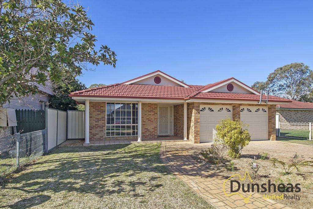 15 Pritchard Road, Macquarie Fields NSW 2564, Image 0