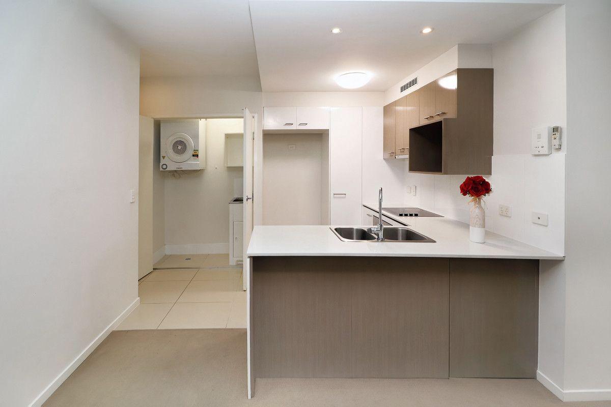 303/15 Felix Street, Lutwyche QLD 4030, Image 2
