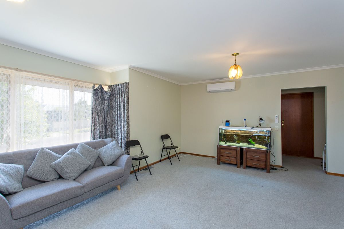 1/111 Howitt Street, Soldiers Hill VIC 3350, Image 2