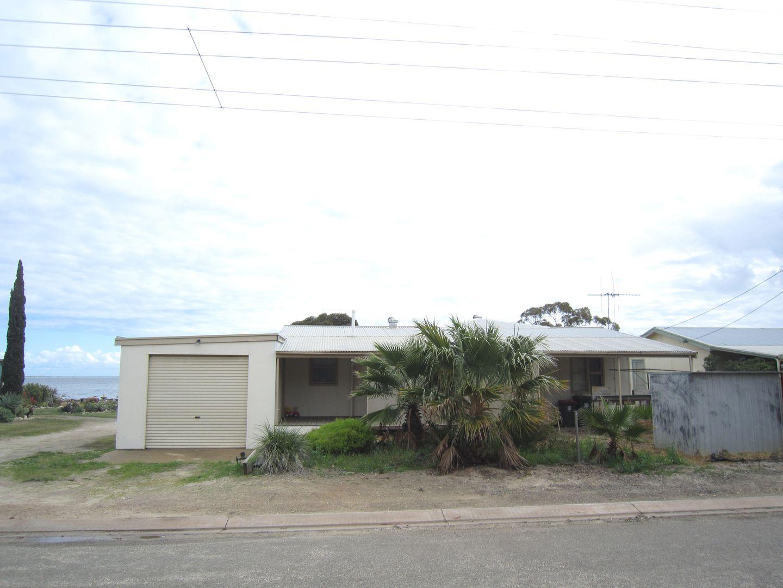 17 Kerley Street, Port Broughton SA 5522, Image 0